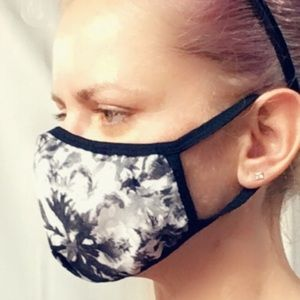 Face Mask with 3 layers